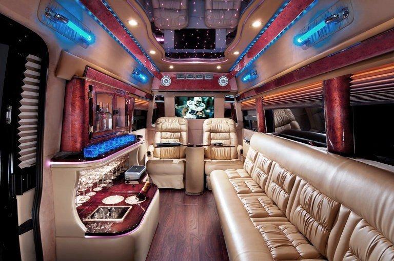 G550 Sprinter Limousines