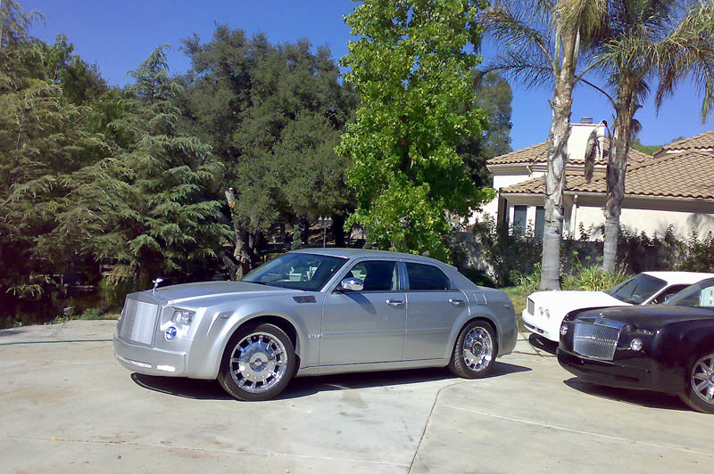 Chrysler 300c replica rolls royce phantom