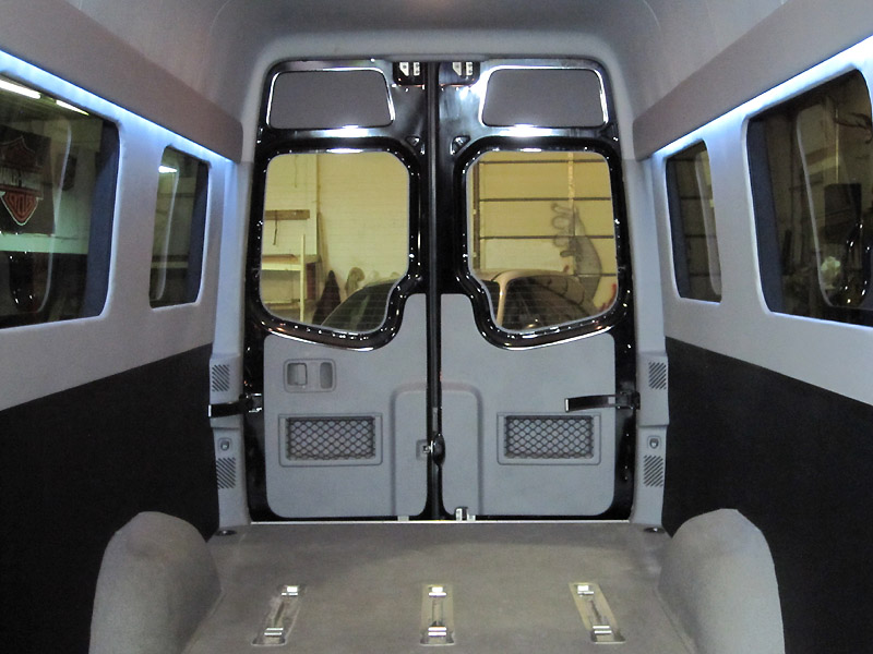 2012 mercedes benz sprinter base standard passenger van 4 for Mercedes benz sprinter 15 passenger