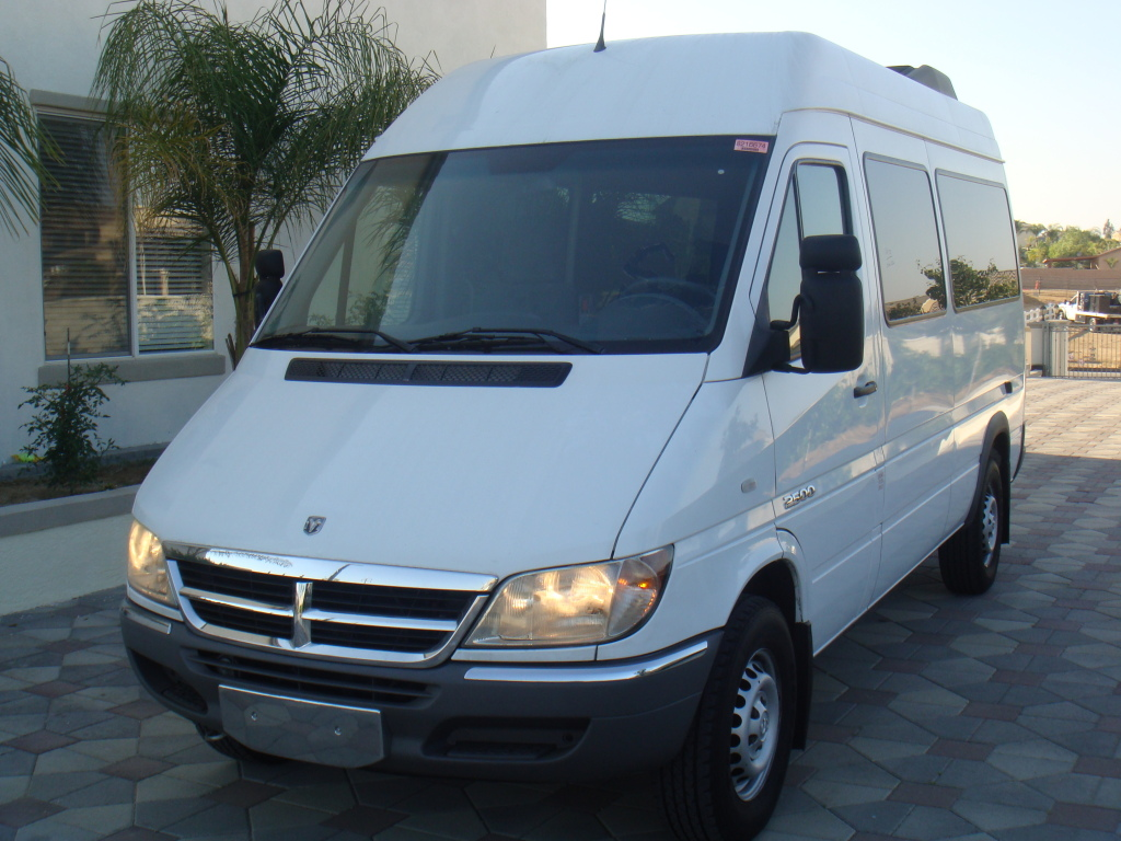 2005 Dodge Sprinter 140WB SHC