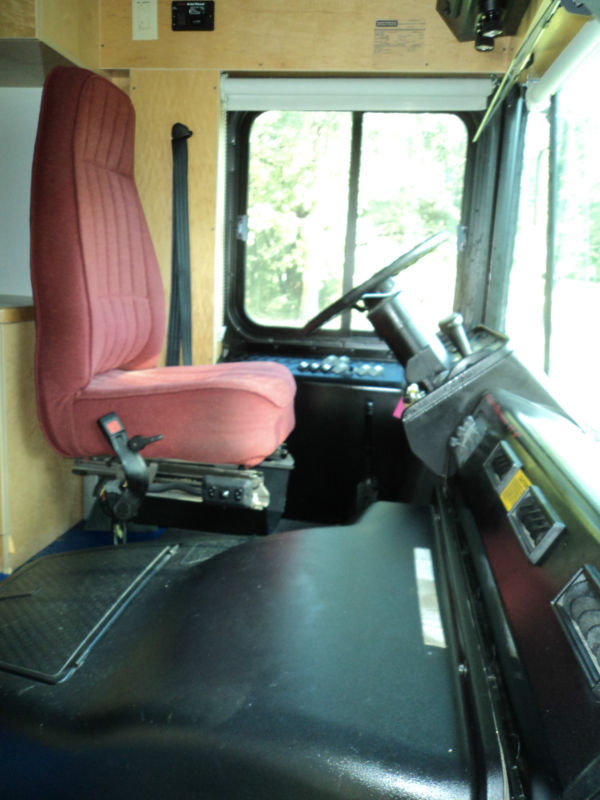 2006 Thomas Bus Mobile Office
