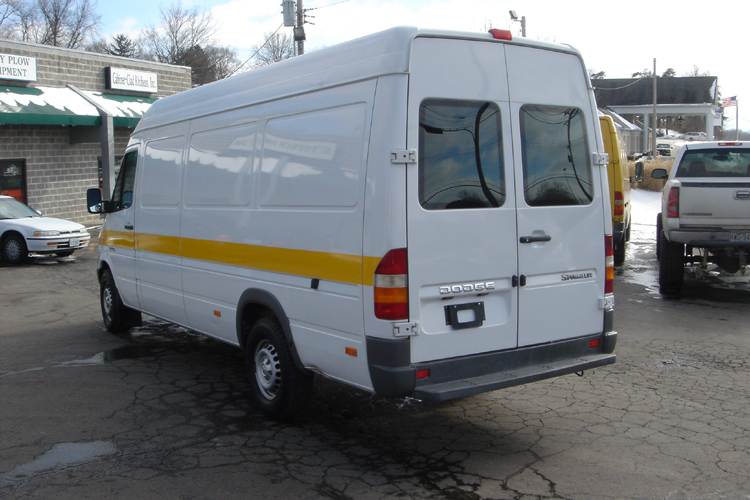 2003 dodge sprinter 2500 white on gray interior for Cross country motor club towing
